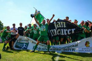 Fans Fanbuch BSG Chemie Leipzig Foto: Christian Donner 21.5.2018 Pokalfinale BSG Chemie - Neugersdorf 1:0